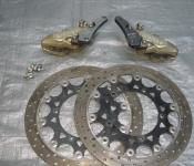 03-05 Yamaha R6 / 06-10 R6s Aftermarket Brembo Calipers and 320mm Rotors