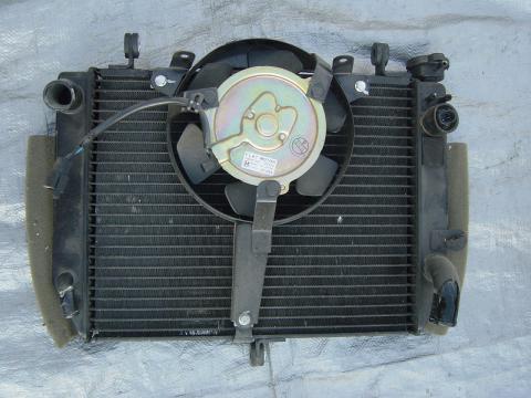 99 02 Yamaha R6 Radiator