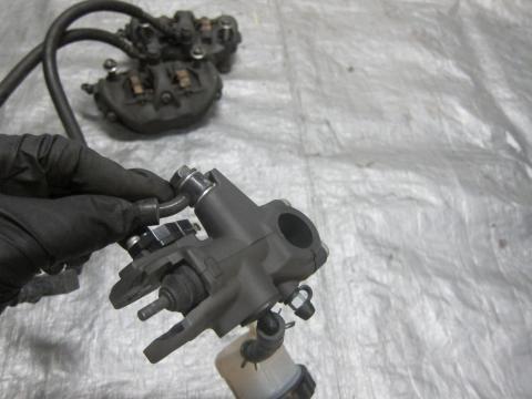 08-10 kawasaki zx10r front master cylinder, brake lines and